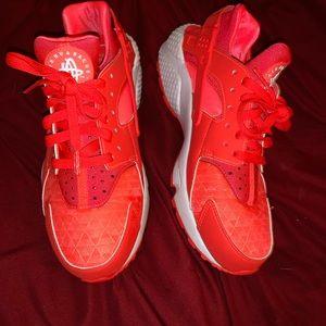 Women's Nike hurachies